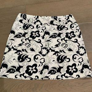 WHBM black and White Floral Skirt 10